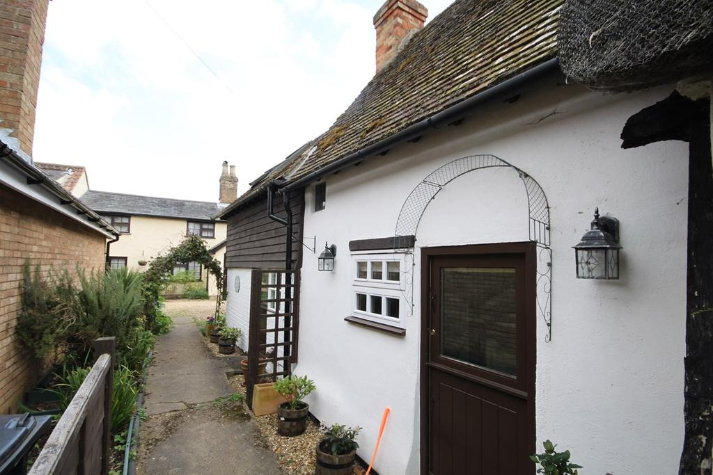 2 Bedrooms Cottage House for sale in Sand Lane , Northill, Biggleswade, SG18