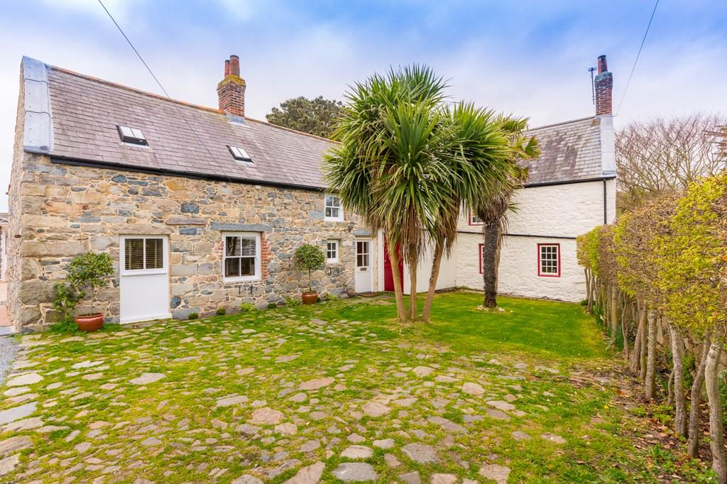3 Bedrooms Cottage House for sale in Rue du Marais, Vale, Guernsey