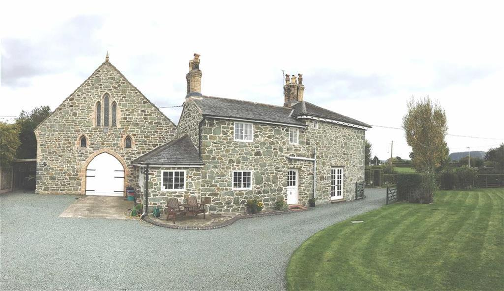 3 Bedrooms Detached House for sale in Domgay House And Former Chapel, Four Crosses, Llanymynech, Powys, SY22