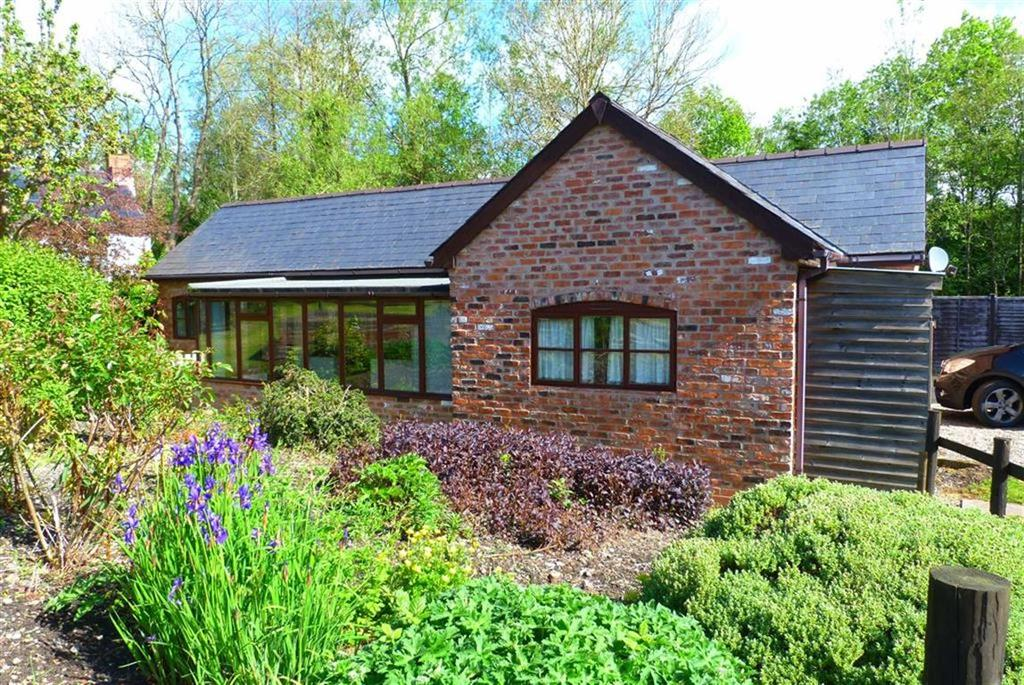 2 Bedrooms Bungalow for sale in Mill Lane, Llanfyllin, SY22