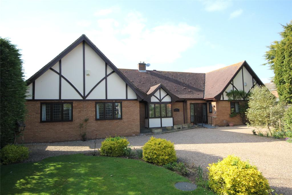 4 Bedrooms Detached Bungalow for sale in Manor Street, Ruskington, NG34