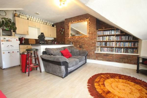 2 Bedrooms Apartment Flat for sale in Wootton Gardens, Bournemouth
