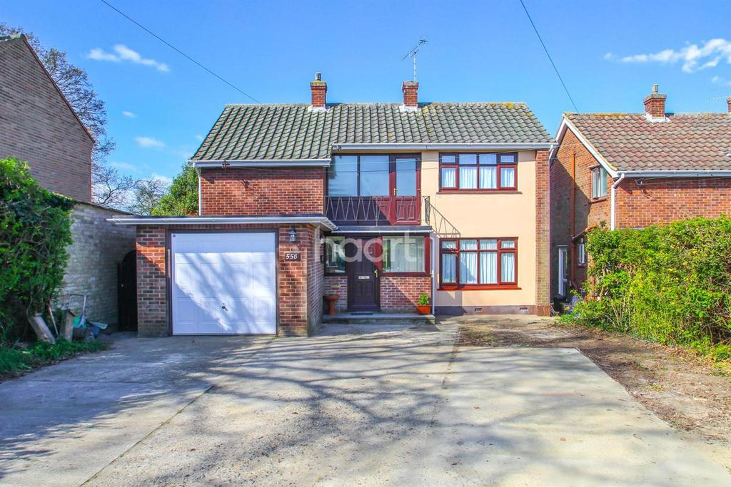 3 Bedrooms Detached House for sale in Daws Heath Road, Hadleigh