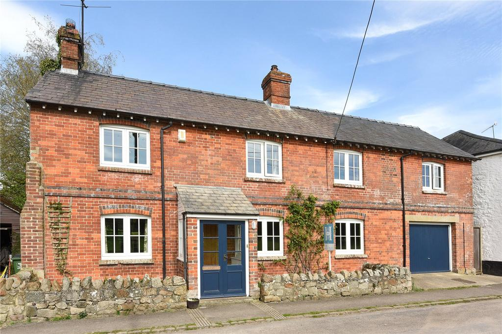 4 Bedrooms Detached House for sale in Southview, Ogbourne St. Andrew, Marlborough, Wiltshire