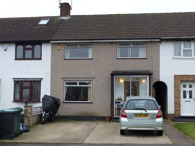3 Bedrooms Terraced House for sale in little oxhey lane,Carpenders Park,WD19 5HL