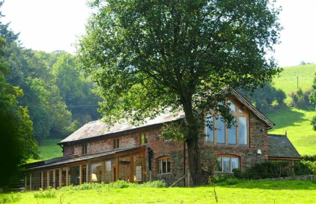 3 Bedrooms Cottage House for sale in Cluttiau Cottage, Sarn, Newtown, Powys, SY16