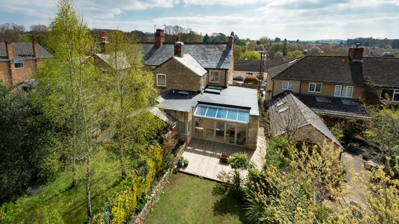 4 Bedrooms Semi Detached House for sale in Crawborough Terrace, Charlbury, Chipping Norton, Oxfordshire