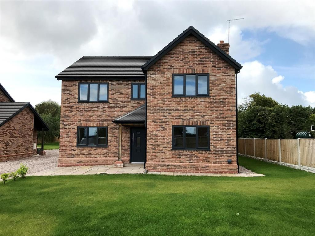 4 Bedrooms Detached House for sale in Hugmore Lane, Holt, Wrexham
