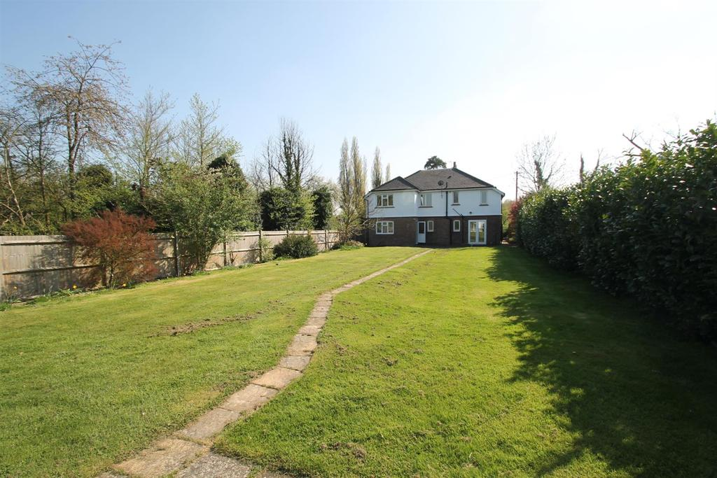 5 Bedrooms Detached House for sale in London Road, Ryarsh, West Malling
