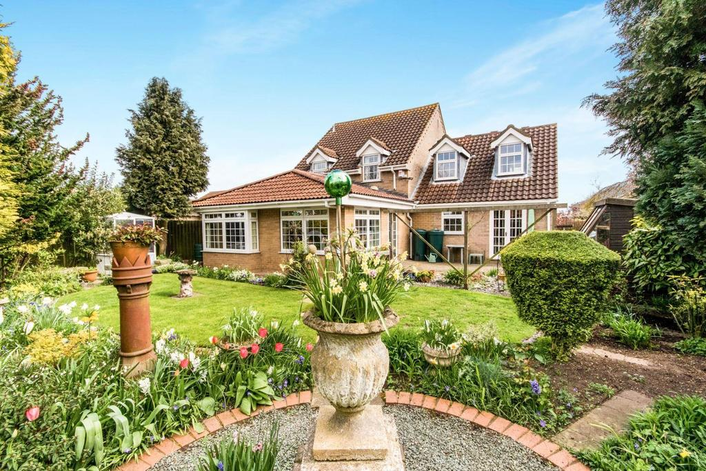 4 Bedrooms Detached House for sale in Mill Rise, Wellingore