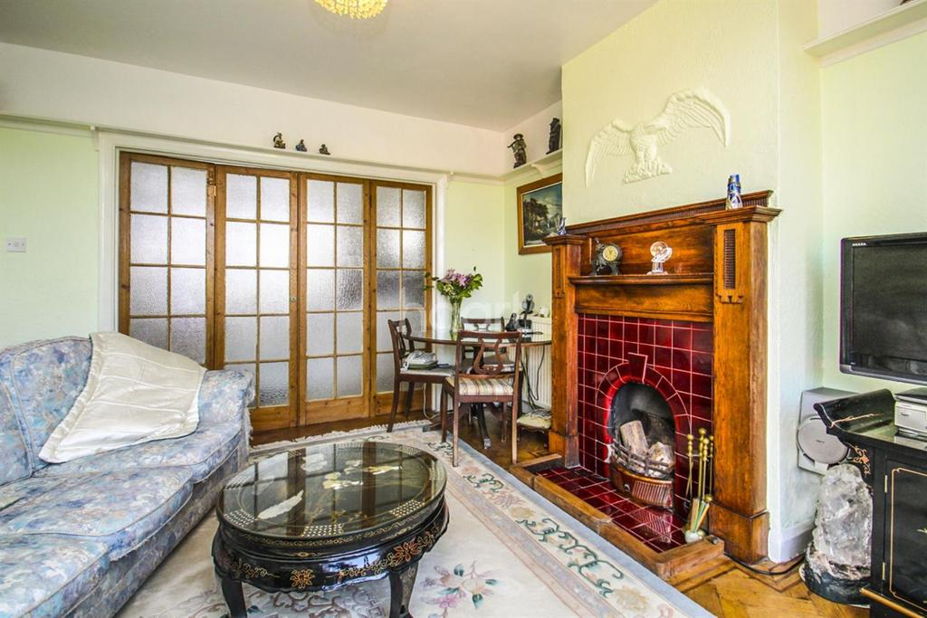 2 Bedrooms Flat for sale in Surbiton, kt5