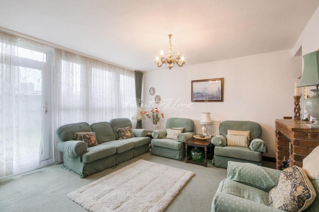 3 Bedrooms Maisonette Flat for sale in Giraud Street, E14