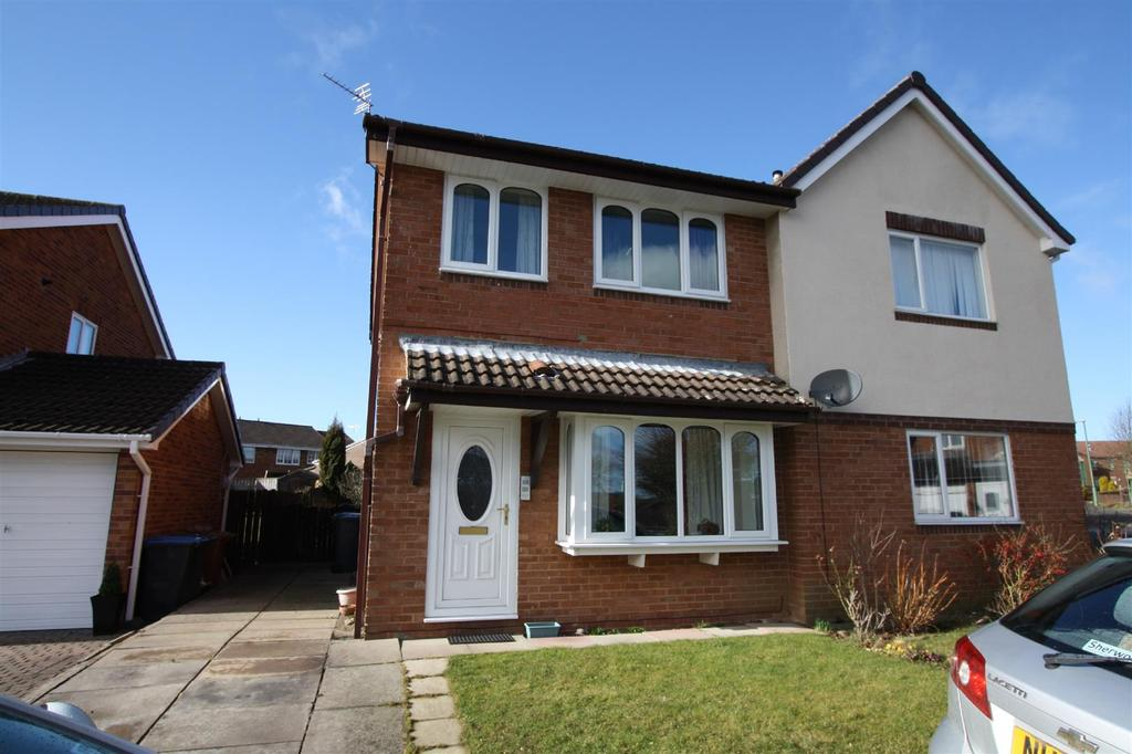 3 Bedrooms Semi Detached House for sale in Alnwick Grove, Newton Aycliffe