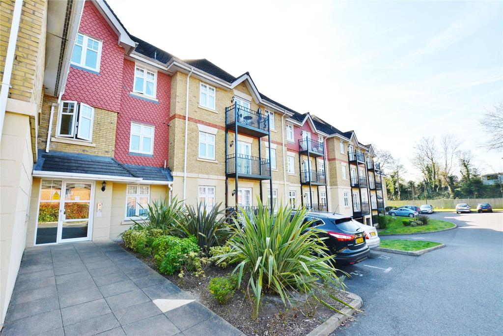 3 Bedrooms Apartment Flat for sale in Mayfield Court, London Road, Bushey, Hertfordshire, WD23