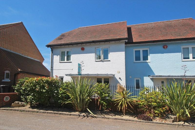 3 Bedrooms End Of Terrace House for sale in Bridge Street, Christchurch