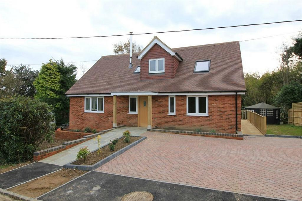 4 Bedrooms Detached House for sale in Farley Way, FAIRLIGHT, East Sussex