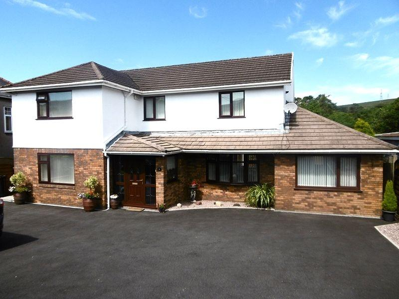 4 Bedrooms Detached House for sale in Dulais Road, Seven Sisters, Neath, Neath Port Talbot.