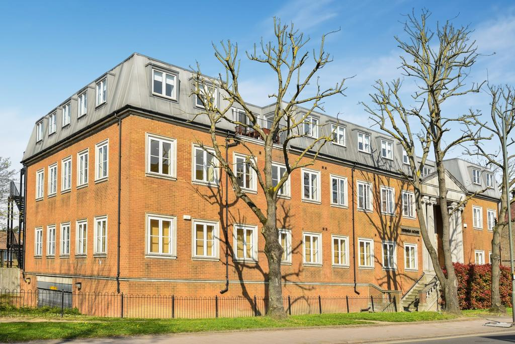 2 Bedrooms Flat for sale in Beckenham Road Beckenham BR3