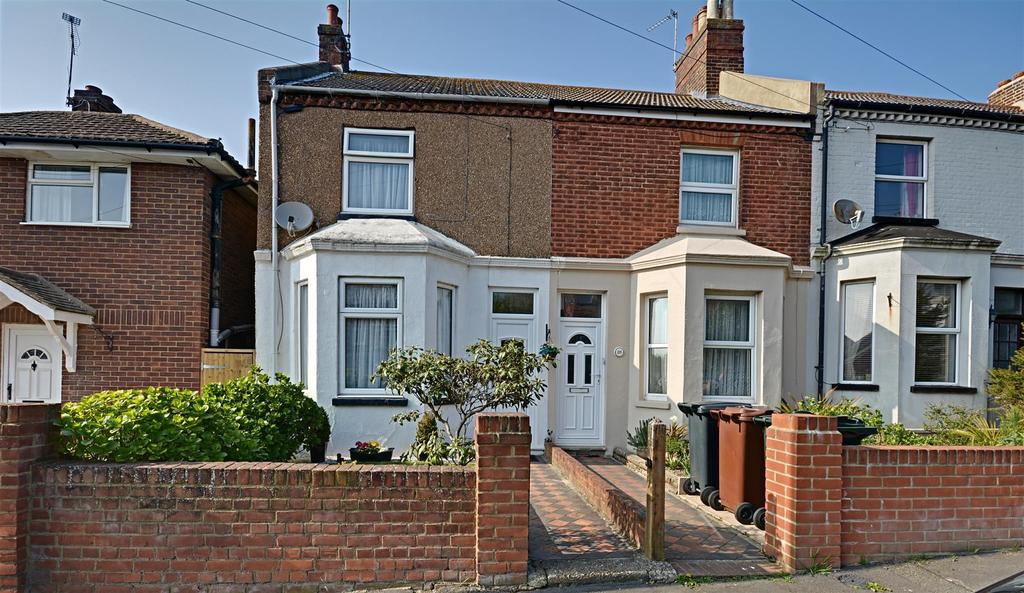 2 Bedrooms Semi Detached House for sale in Springfield Road, Bexhill-On-Sea