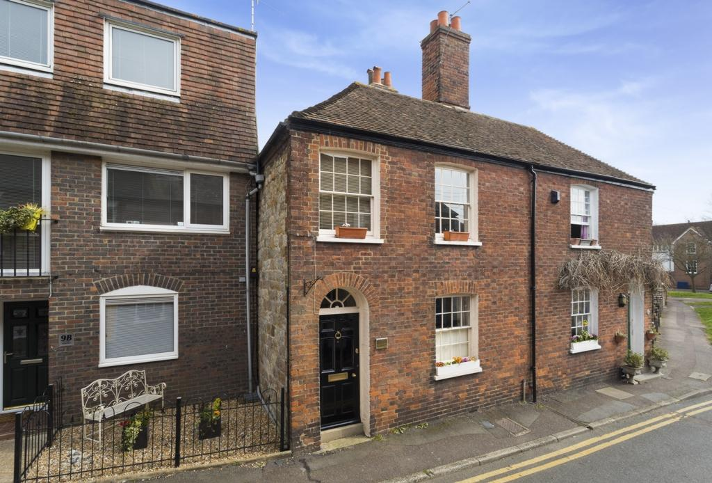 3 Bedrooms Terraced House for sale in Theatre Street, Hythe, CT21