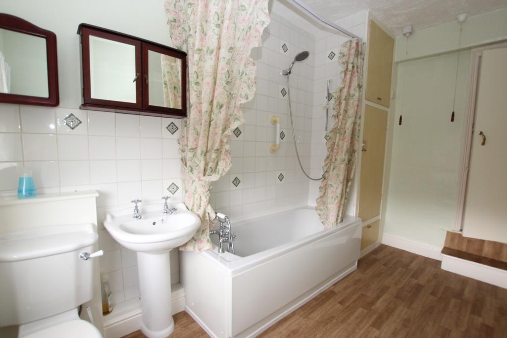 2 Bedrooms Terraced House for sale in Osborne Street, Barrow-In-Furness