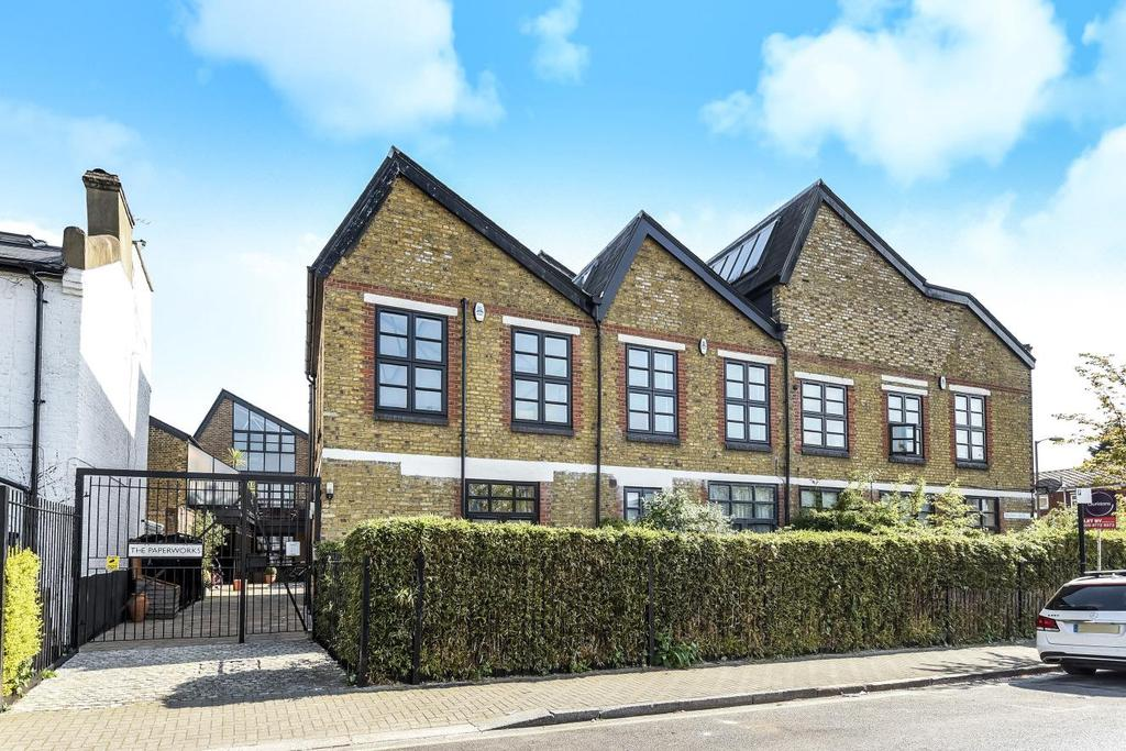 2 Bedrooms Terraced House for sale in Balham Grove, Balham