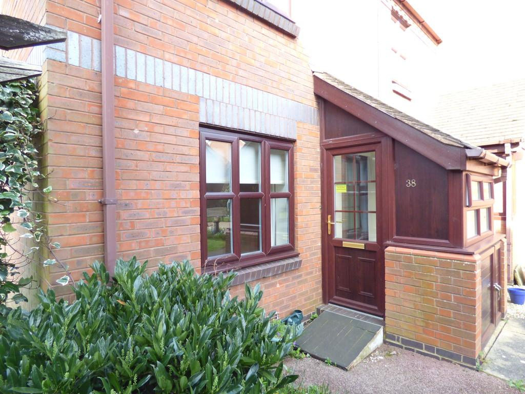 2 Bedrooms Ground Maisonette Flat for sale in Saffron Meadow, Stratford-Upon-Avon