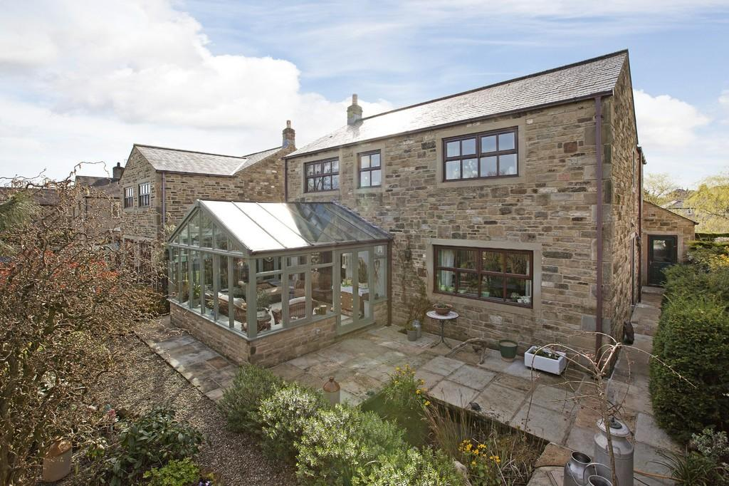 4 Bedrooms Detached House for sale in Hellifield Road, Gargrave