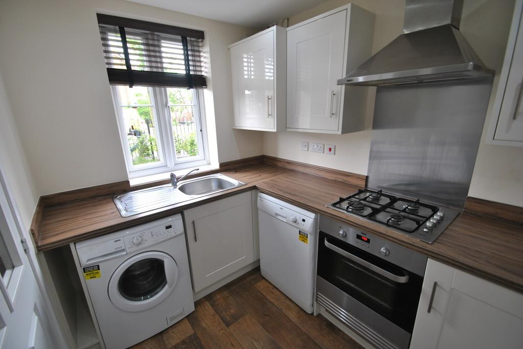 2 Bedrooms Terraced House for sale in Elter Drive, Lakeside, Doncaster, DN4 5PG