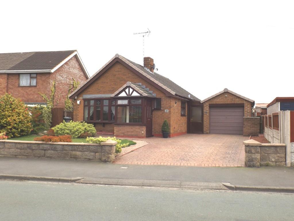2 Bedrooms Detached Bungalow for sale in Coleridge Way, Crewe