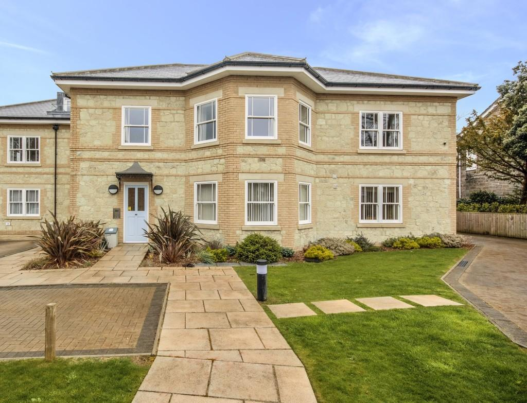 2 Bedrooms Apartment Flat for sale in Highfield Road, Shanklin