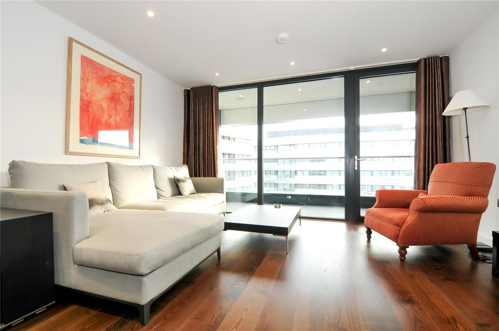 2 Bedrooms Flat for sale in 4 Lambarde Square, Greenwich Square, Greenwich, London, SE10