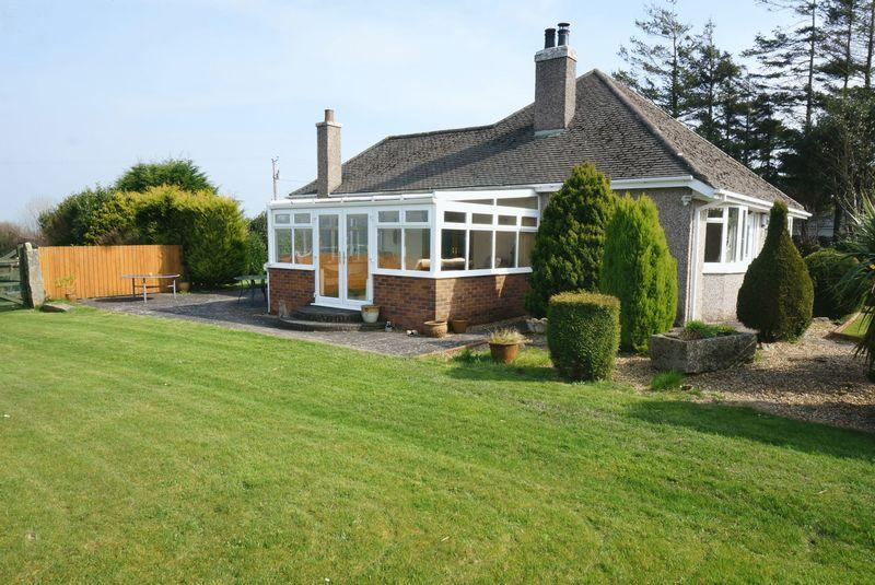 5 Bedrooms Detached Bungalow for sale in Dupath Road, Callington