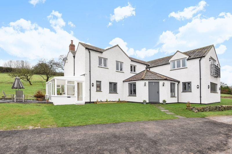 4 Bedrooms Detached House for sale in Easton, Wells