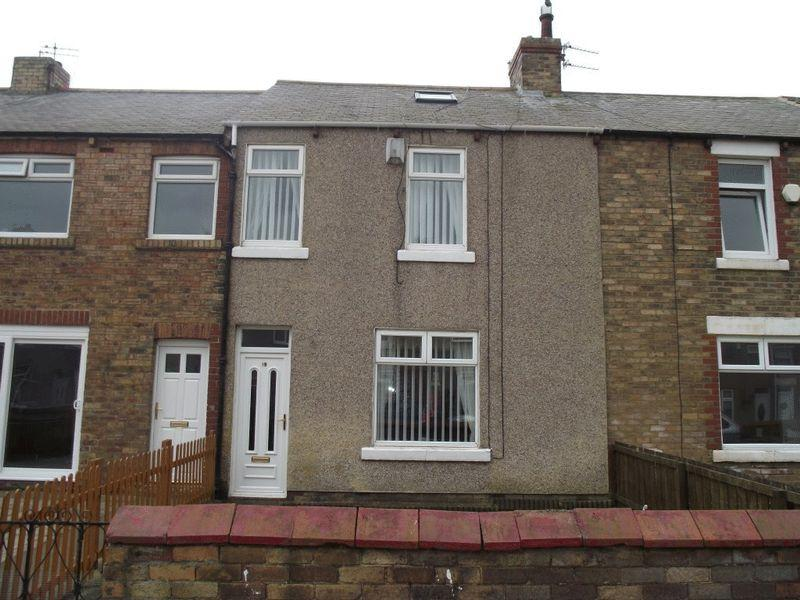 3 Bedrooms Terraced House for sale in Lynwood Avenue, Newbiggin-By-The-Sea - Three Bedroom Terraced House