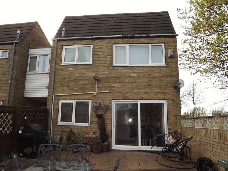 4 Bedrooms Link Detached House for sale in Lindean Place, Cramlington