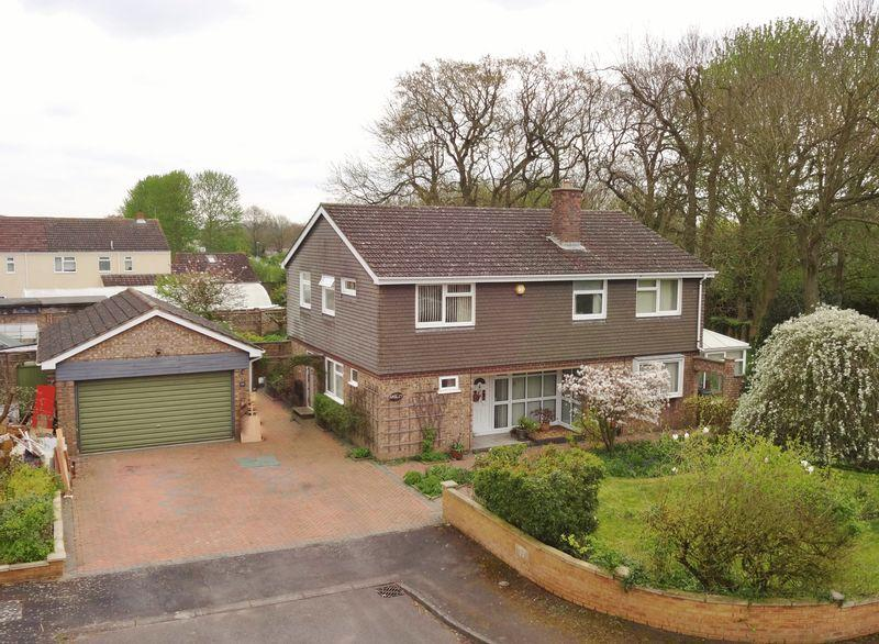 5 Bedrooms Detached House for sale in Brunswick Gardens, Corby