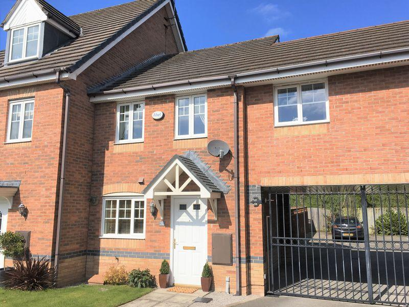 2 Bedrooms Town House for sale in Chariot Drive, Wrexham