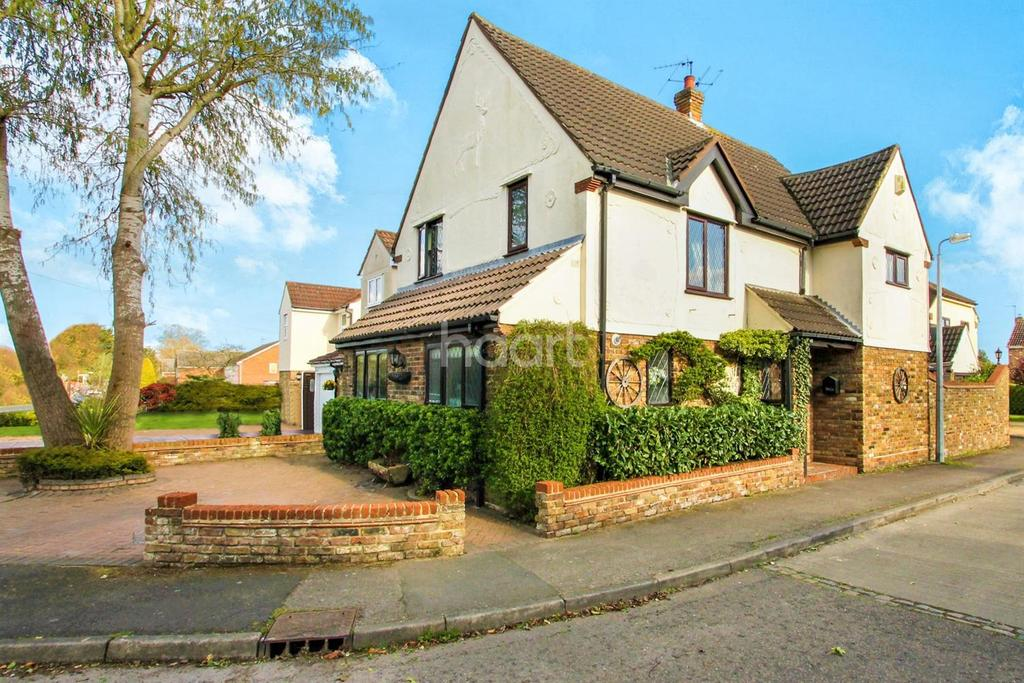 3 Bedrooms Detached House for sale in Leyfields, Rayne