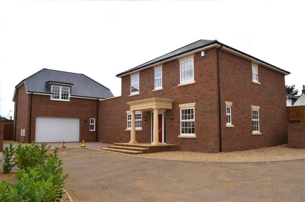 4 Bedrooms Detached House for sale in Brookfields, Potton, Bedfordshire, SG19