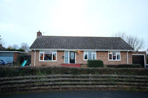 3 bedroom detached bungalow to rent - Forge Bank, Bosbury, Ledbury, HR8