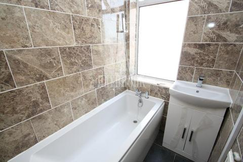 3 bedroom semi-detached house for sale - Maltravers Road, Wybourn, S2