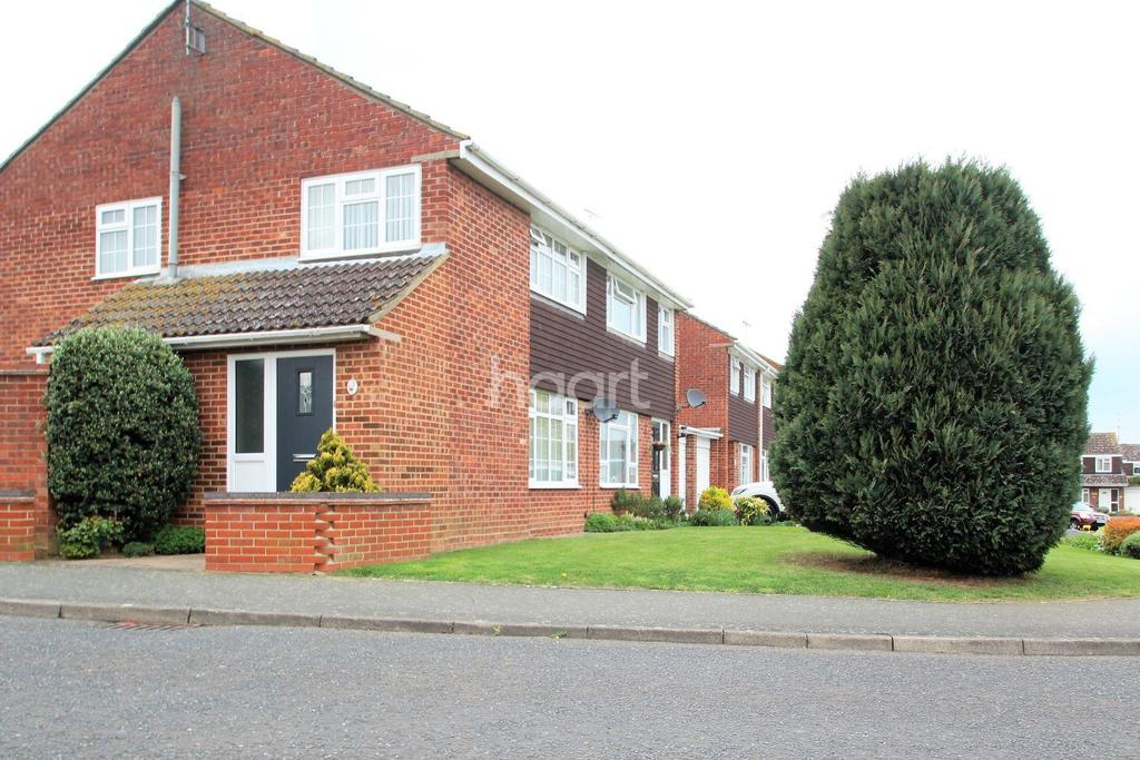 3 Bedrooms Semi Detached House for sale in Graces Close, Witham. CM8