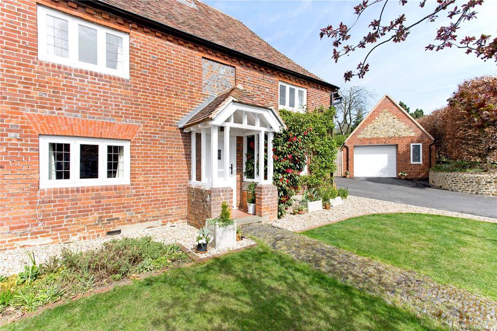 3 Bedrooms Detached House for sale in The Reeds Road, Frensham, Farnham, Surrey, GU10