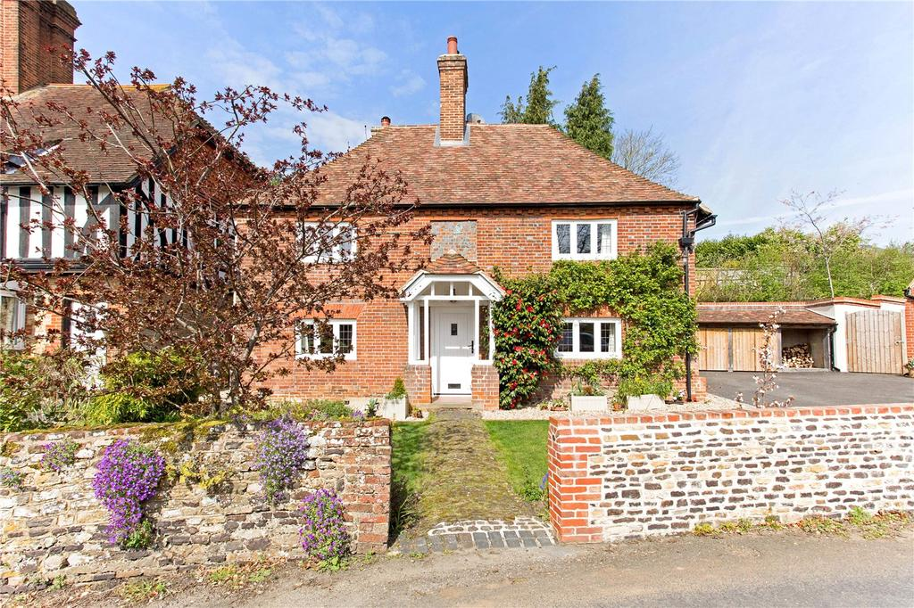 3 Bedrooms Detached House for sale in The Reeds Road, Frensham, Farnham, Surrey, GU10