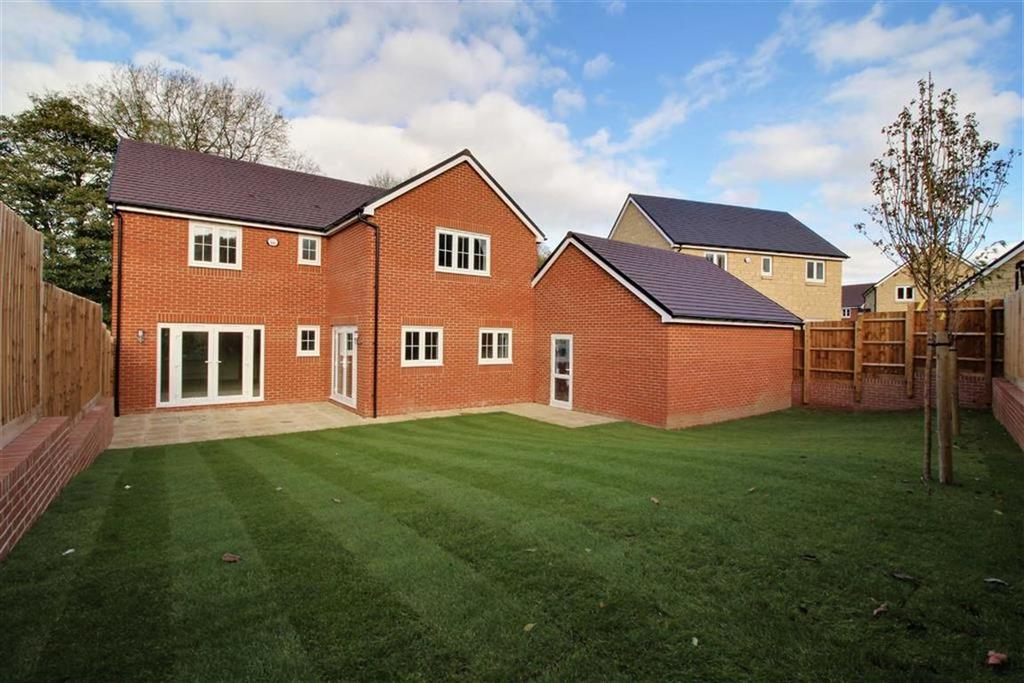 4 Bedrooms Detached House for sale in Dyehouse Field, Kings Stanley, Gloucestershire
