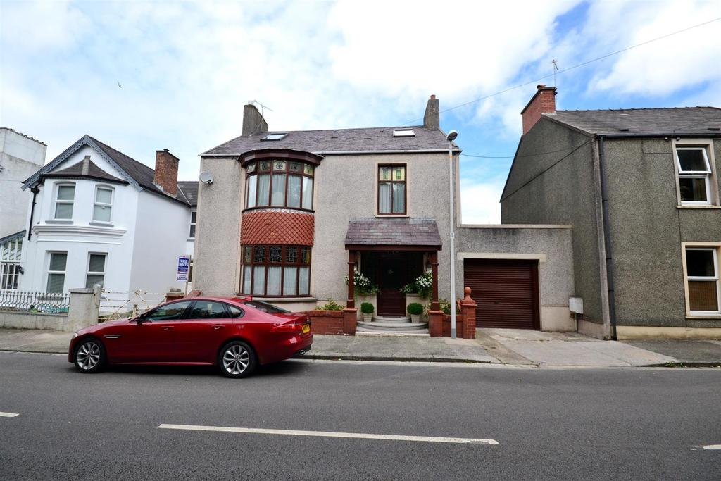 5 Bedrooms Detached House for sale in Trefin, Victoria Road, Pembroke Dock