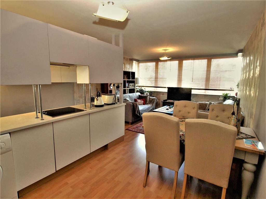 1 Bedroom Apartment Flat for sale in Beckenham Grove, Bromley