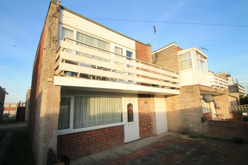 2 Bedrooms Flat for sale in manor way, Leysdown