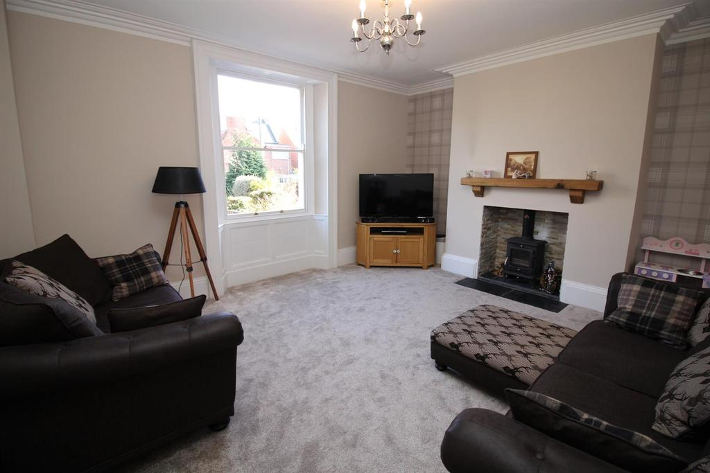 4 Bedrooms Terraced House for sale in Claremont Place, Gateshead